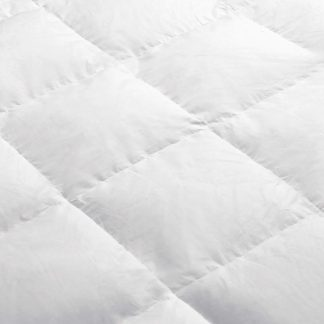 Giselle Bedding Queen Size Light Weight Duck Down Quilt